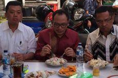 Kelaparan, Dua Menteri Makan di Warteg Seberang Istana