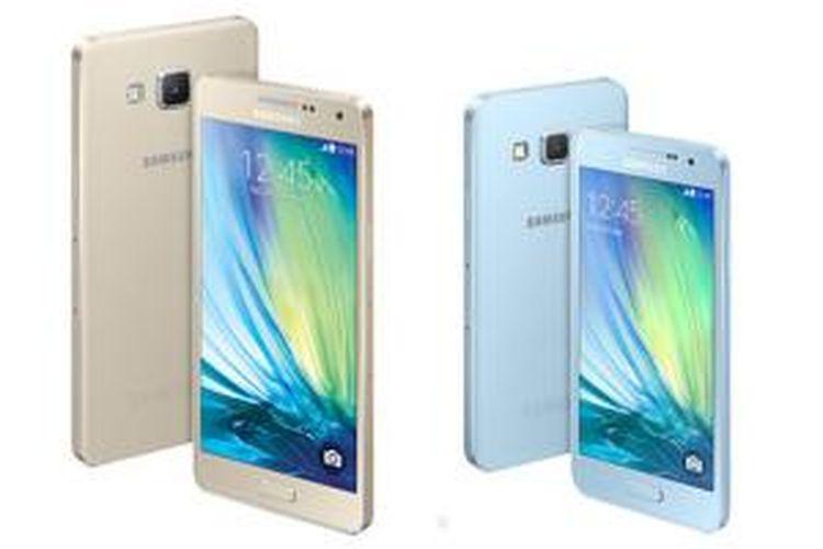 Samsung Galaxy A5 (kiri) dan Galaxy A3