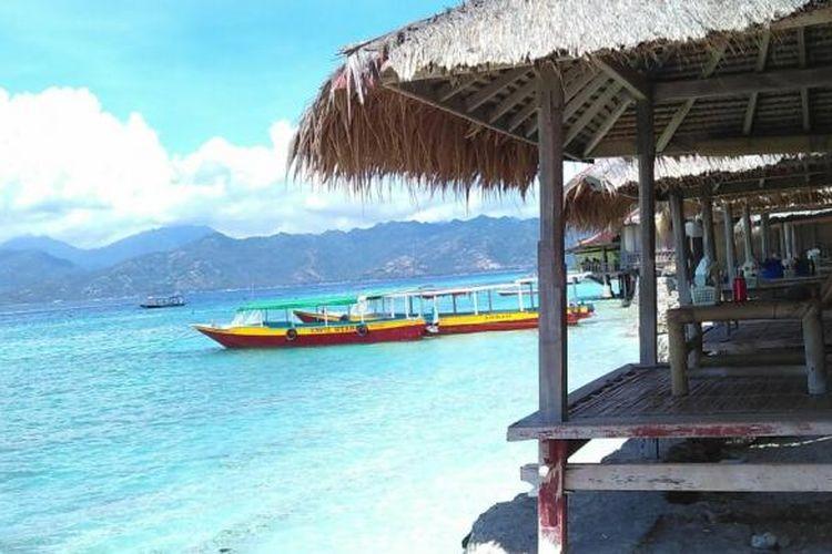Pantai di Gili Meno, Kabupaten Lombok Utara, Nusa Tenggara Barat (NTB)