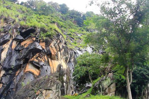 Wisata Cirebon, Legenda Batu Lawang Instagramable