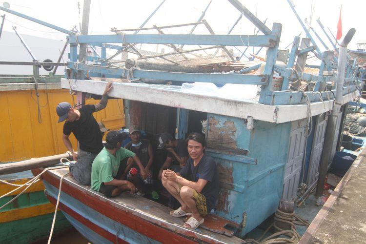 Direktorat Jenderal Pengawasan Sumber Daya Kelautan dan Perikanan, Kementerian Kelautan dan Perikanan (KKP) menangkap 5 kapal ikan asing Ilegal berbendera Vietnam di Laut Natuna Utara, Kepulauan Riau.