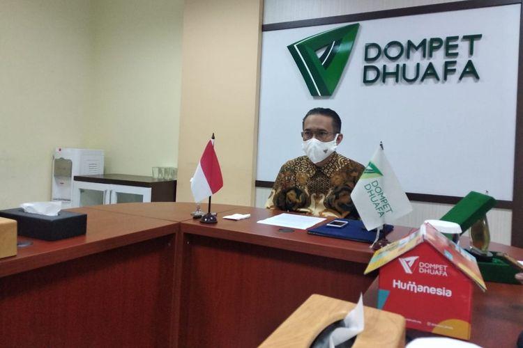 Pengurus Yayasan Dompet Dhuafa, saat menggelar video conference dengan Menteri Dalam Negeri Republik Indonesia, dalam rangka kerja sama pemanfaatan akses data kependudukan.