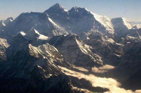 Akibat Pemanasan Global, Rumput Tumbuh di Sekitar Gunung Everest