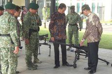 Di Markas Kostrad, Jokowi Lihat Alutsista dan Salaman dengan Prajurit