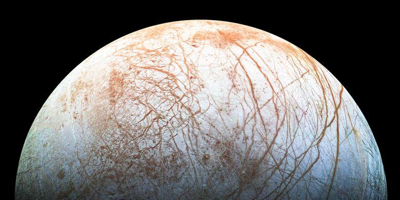 Europa merupakan salah satu satelit terbesar Jupiter yang menjadi tujuan eksplorasi luar angkasa NASA.