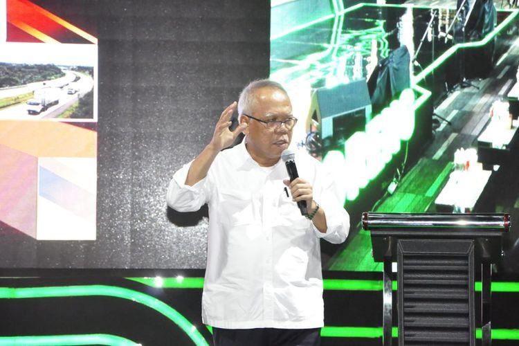 Menteri PUPR, Basuki Hadimuljono saat memberikan sambutan di acara Foreng 10 yang diselenggarakan oleh WIKA Persero, Selasa (12/11/2019).