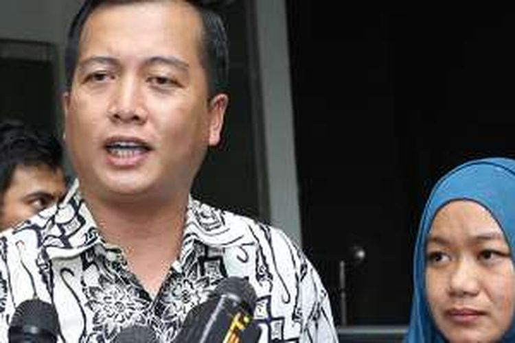 Direktur PWNI-BHI Kemenlu Lalu Muhammad Iqbal memberikan keterangan usai pertemuan di Kemenlu, Jakarta, Senin (1/8/2016). Pertemuan ini untuk membahas informasi mengenai perkembangan terakhir upaya pemerintah untuk membebaskan WNI yang disandera kelompok Abu Sayyaf.