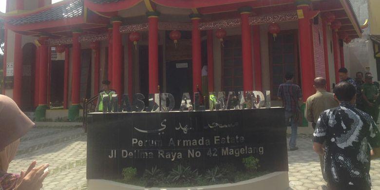 Masjid berornamen Kelenteng berdiri kokoh di Kota Magelang, Jawa Tengah. Masjid Al-Mahdi ini diharapkan menjadi wisata religi di Magelang.
