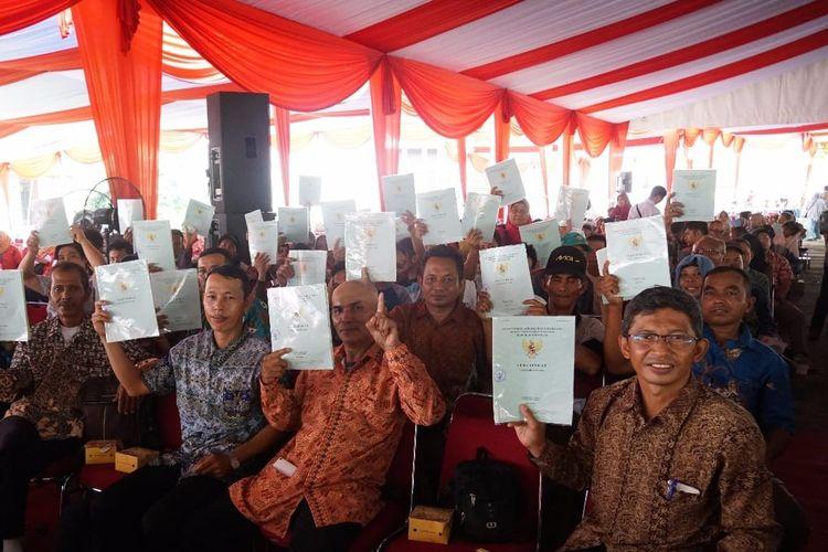 Sebanyak 41.247 sertifikat tanah diserahkan kepada masyarakat di Kalimantan Barat