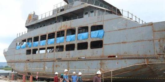 Kapal Ro-Ro yang akan dipakai untuk penyeberangan ke Samosir.