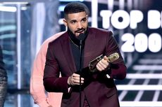 Tiga Lagu Milik Drake Duduki Top 3 Billboard Hot 100