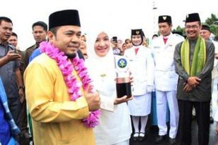 Wali Kota Bengkulu Helmi Hasan didampingi Wakil Wali Kota Patriana Sosialinda dalam sebuah acara beberapa waktu lalu