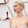 Lipstik Bold Kembali Jadi Tren dalam Penghargaan Oscar 2021