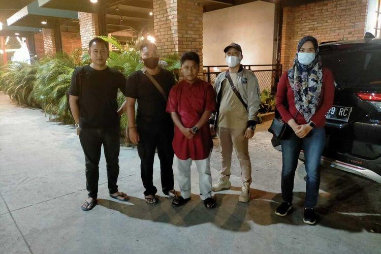 Dua pasangan suami istri yang menjadi pelaku psnganiayaan terhadap anak angkatnya yang baru berusia tujuh bulan di Kabupaten Banyuasin, Sumatera Selatan, Selasa (6/7/2021).