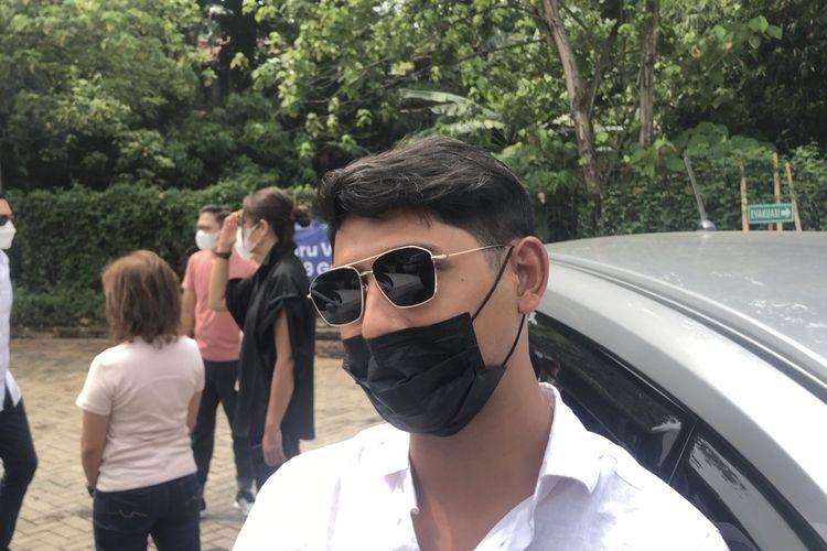 Arya Saloka daat ditemui di kawasan Pondok Indah, Jakarta Selatan, Sabtu (17/4/2021).