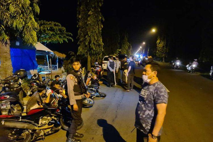 Polisi amankan 29 unit motor dan 44 remaja yang terlibat aksi balap liar di Tuban, Jawa Timur. Minggu (13/6/2021).