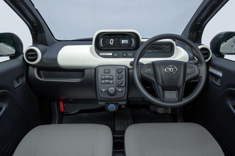 Tampilan dasbor Toyota C+pod