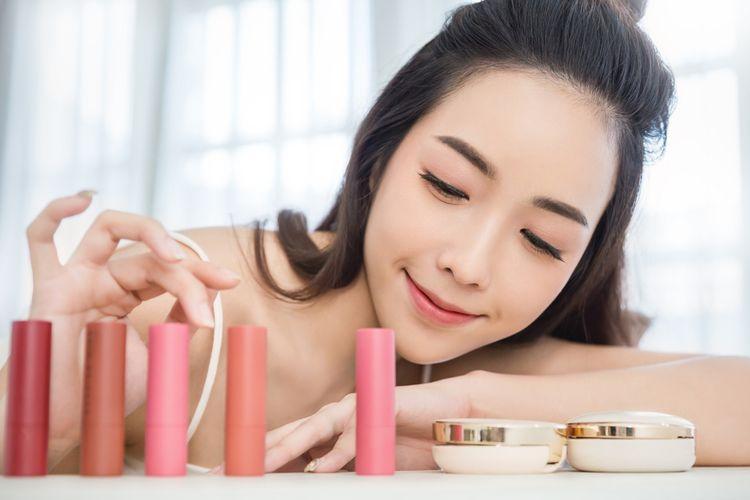 Ilustrasi produk kosmetik Korea