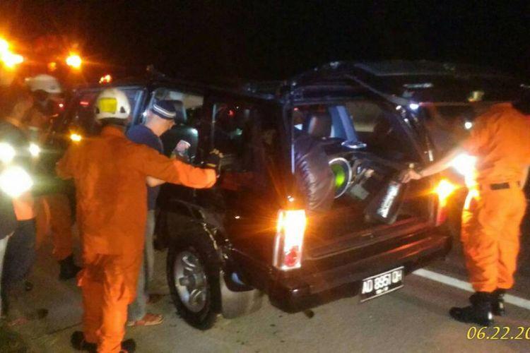 Salah satu kejadian laka tunggal di jalan darurat Pemalang -Grinsing Batang Jawa Tengah. KOMPAS.Com / dok. Basarnas Jawa Tengah