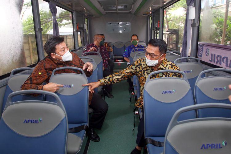 Pembelian bus listrik dari MAB menjadi salah satu upaya APRIL dalam mengurangi pemakaian bahan bakar fosil.