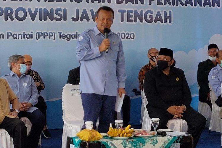 Menteri KKP Edhy Prabowo saat kunjungan kerja ke Pelabuhan Perikanan Pantai Tegalsari Kota Tegal Jawa Tengah, Selasa (7/7/2020)