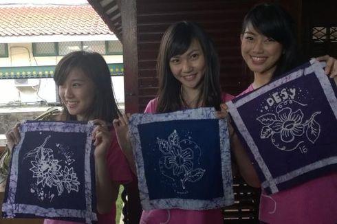 Lewat Batik, JKT48 Kampanye Cinta Budaya Indonesia