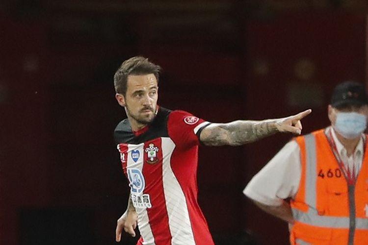 Striker Southampton, Danny Ings, saat merayakan gol ke gawang Brighton pada lanjutan pekan ke-36 Liga Inggris, 16 Juli 2020.