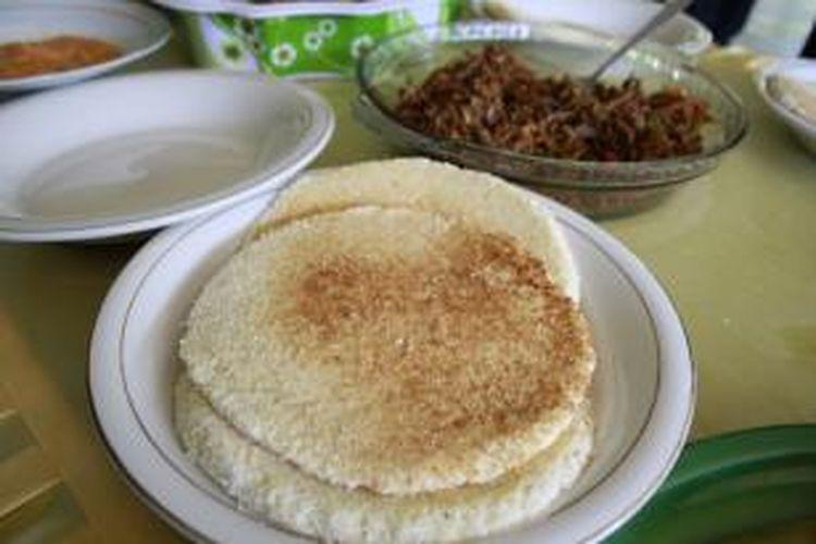 Jepa, makanan dari singkong khas suku Mandar yang mendiami kawasan Sulawesi Barat.