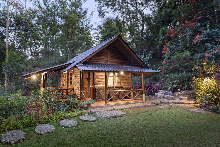 Salah satu penginapan bernama Villa Kenanga di Taman Wisata Bougenville, Bandung.