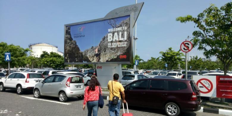 Ilustrasi parkir mobil di Bandara I Gusti Ngurah Rai Bali