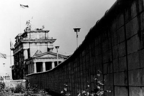 Hari Ini dalam Sejarah: Tembok Berlin Dibuka untuk Pertama Kalinya