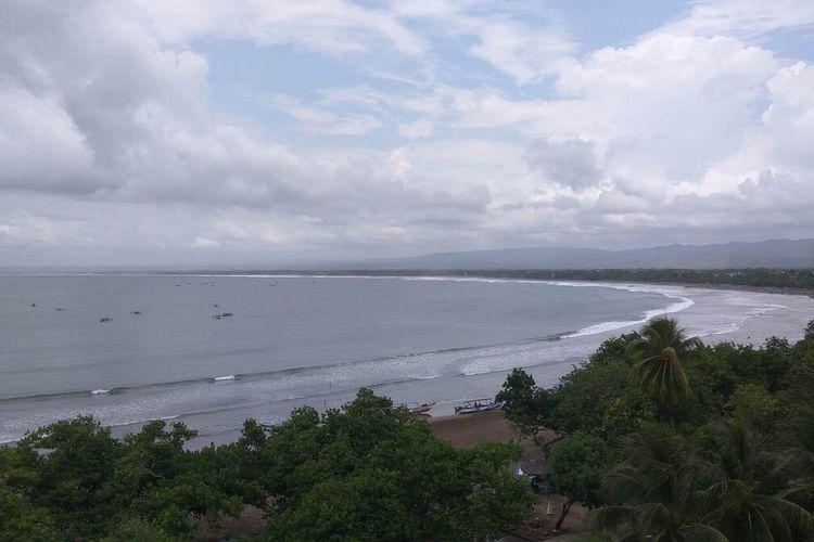 Pantai Pangandaran akan kembali dibuka Jumat (3/9/2021) mendatang. Meski dibuka, jumlah wisatawan yang datang hanya sekitar 25 persen saja.