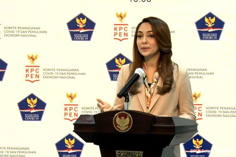 Reisa Broto Asmoro menyampaikan kabar terbaru Covid-19 secara langsung yang disiarkan kanal YouTube Sekretariat Presiden, Senin (12/10/2020).