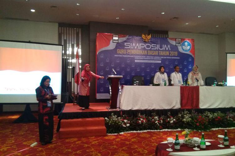 Kasubdit Kesharlindung Dit PG Dikdas saat membuka simposium guru di Jakarta, Kamis (28/11/2019)