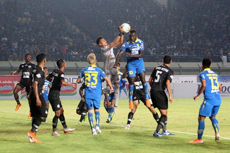 Pertandingan Persib Vs Tira-Persikabo pada putaran pertama Liga 1 2019.