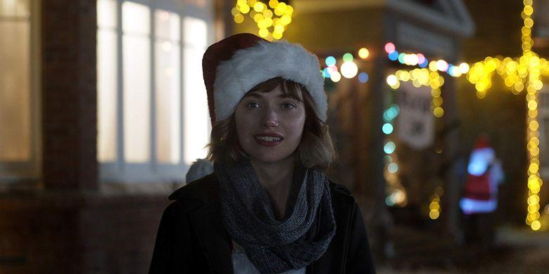 Imogen Poots dalam film Black Christmas