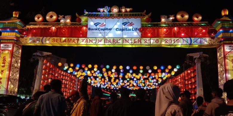 Suasana Lampion Pasar Gede di Solo pada malam hari selalu dipadati pengunjung dari dalam dan luar kota.