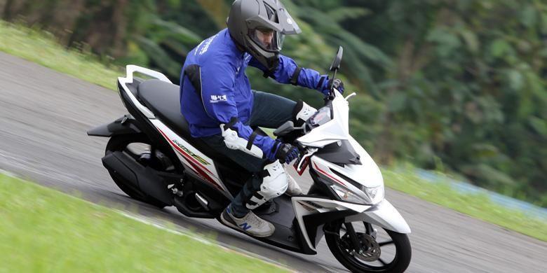 Yamaha Mio Z bermesin sama dengan Mio M3, tapi punya ukuran ban lebih besar untuk kestabilan.