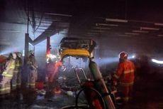 Sedang Dilas, Mobil di Bengkel Kawasan Cilandak Hangus Terbakar