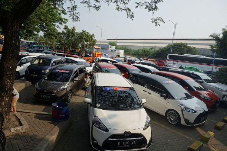 Ilustrasi touring perdana komunitas Toyota Sienta