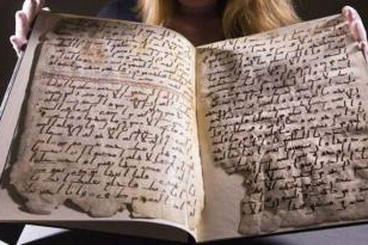 Penggalan Al Quran tertua di dunia yang ditemukan di Birmingham, Inggris itu diperkirakan berusia 1.370 tahun.