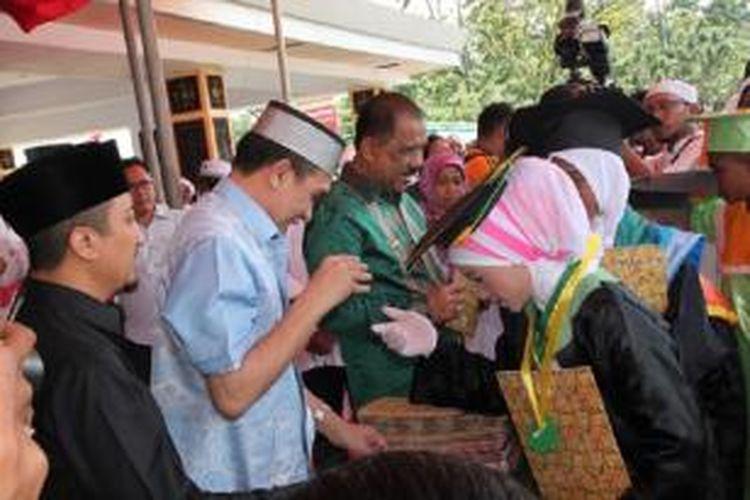 Sebanyak 3.000 santri dari berbagai taman pengajian yang ada di Kota Ambon mengikuti acara wisudah yang dipusatkan di Lapngan Merdeka Ambon, Sabtu (30/8/2014)