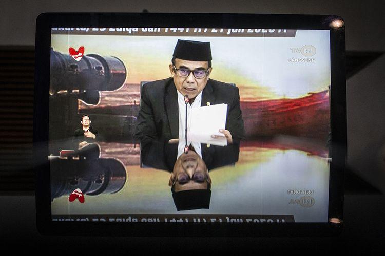 Layar komputer menampilkan live streaming Menteri Agama Fahrur Rozi menyampaikan hasil Sidang Isbat penentuan 1 Zulhijjah 1441 H dari Kantor Kementerian Agama, Jakarta, Selasa (21/7/2020). Pemerintah mengumumkan 1 Zulhijjah 1441 H jatuh pada hari Rabu, 22 Juli 2020 dan Hari Raya Idul Adha yang bertepatan dengan 10 Zulhijjah 1441 H jatuh pada Jumat, 31 Juli 2020.