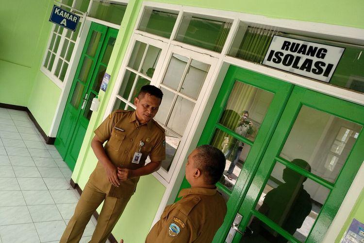 Ruangan isolasi RSUD Soekardjo Kota Tasikmalaya telah dipersiapkan untuk menangani pasien dalam perawatan (PDP) virus corona selama ini, Rabu (18/3/2020).