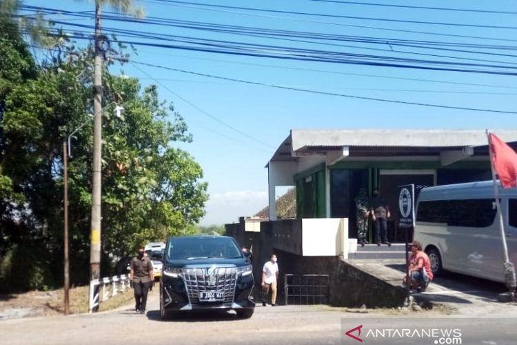 Presiden Joko Widodo berziarah ke makam ibundanya, Sabtu (29/8/2020)