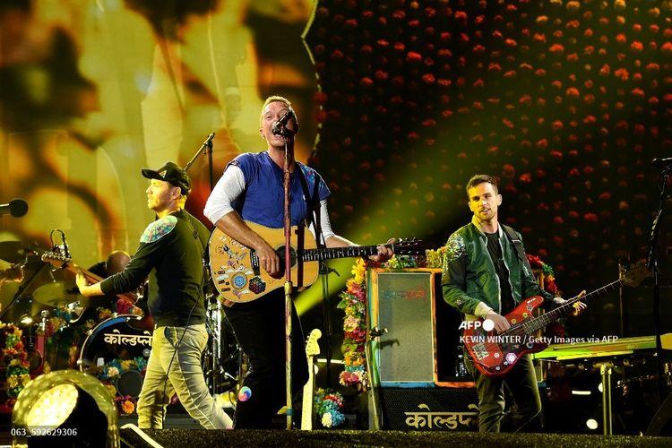 Band Coldplay tampil di Rose Bowl, Pasadena, California, pada 20 Agustus 2016.