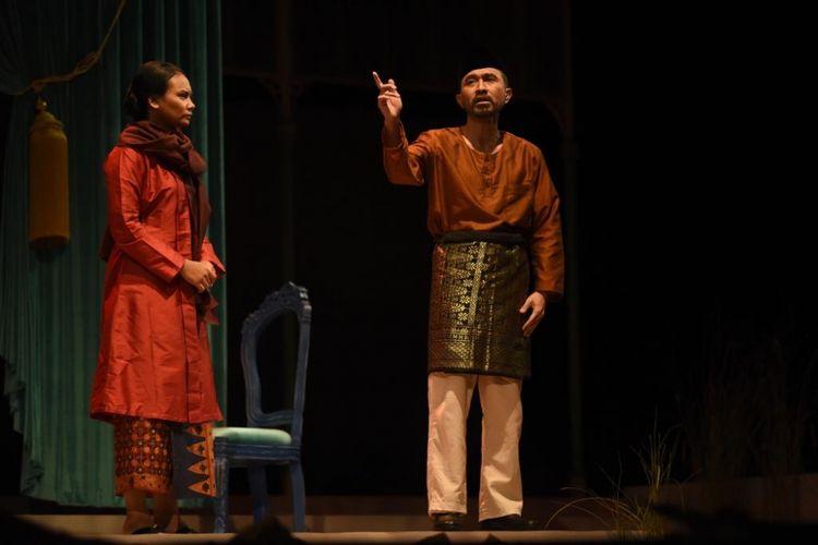 Nyanyi Sunyi Revolusi, pementasan ini mengangkat kisah hidup seorang penyair besar Indonesia, Amir Hamzah yang dipentaskan pada 2 dan 3 Februari 2019 di Gedung Kesenian Jakarta. Dalam kesempatan ini artis peran Lukman Sardi berperan sebagai Amir Hamzah.