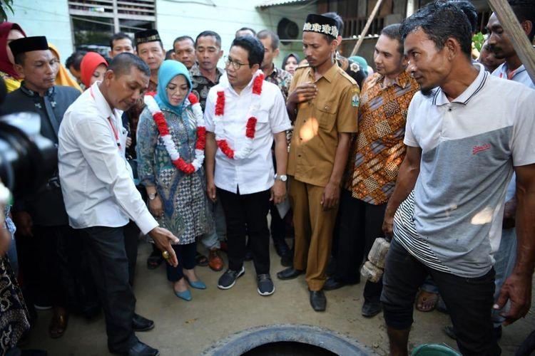 Menteri Desa, Pembangunan Daerah Tertinggal, dan Transmigrasi (Mendes PDTT) Abdul Halim Iskandar dalam salah satu kesempatan bersama warga.