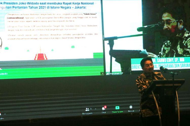 Direktur Jenderal (Dirjen) Prasarana dan Sarana Pertanian (PSP) Kementerian Pertanian (Kementan) Sarwo Edhy dalam Rapat Teknis Pengelolaan Anggaran Ditjen PSP Tahun Anggaran 2021 (Wilayah I), di Ballroom Novotel, Bandar Lampung, Jumat (5/2/2021).