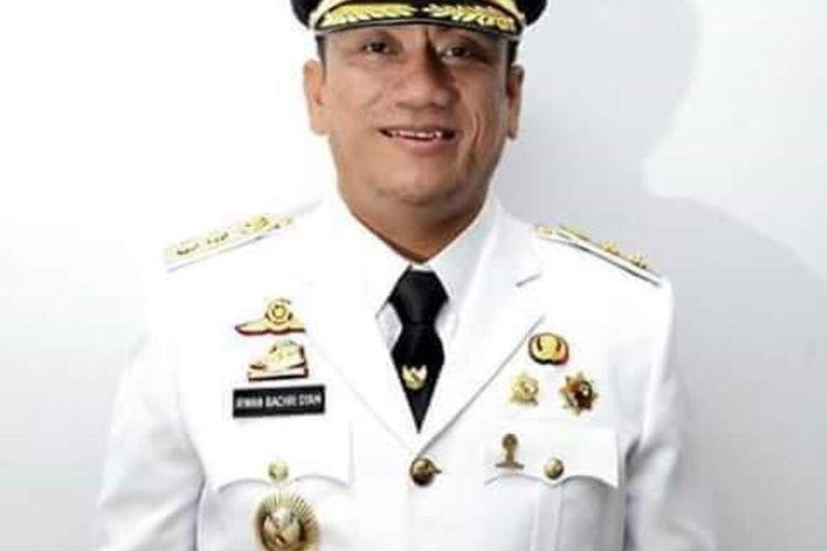Wakil Bupati Luwu Timur Irwan Bachri Syam, menyumbangkan gajinya untuk menangani Covid-19, Rabu (01/04/20920)